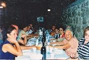 Cena in piazzetta per la vittoria